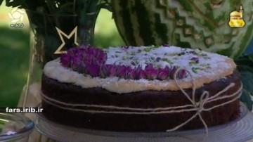 دونا کیک نارگیل و آلبالو