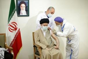 تزریق نوبت اول واکسن برکت به رهبر معظم انقلاب