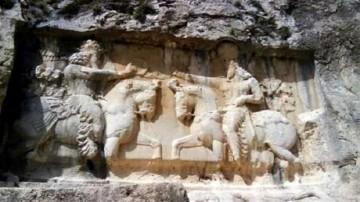 آثار تاریخی کازرون
