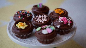 کاپ کیک ماست شکلاتی
