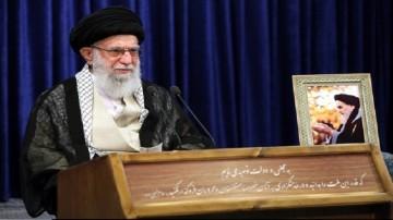 شکست پذیری ابرقدرتها یکی از تحولات امام خمینی (ره)